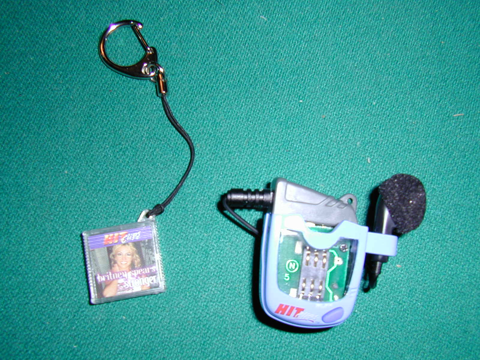 Clip Art Hitclip dscn0002 jpg closer up picture of just the player and xcartridge